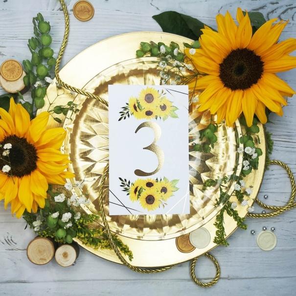 Numerek na stół weselny złocone słoneczniki