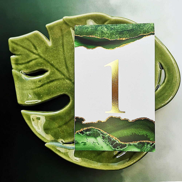 Numerek zielono złoty Agat
