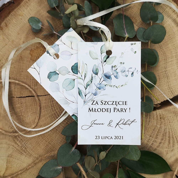 Piękne botaniczne zawieszki na wódkę weselną z eukaliptusem