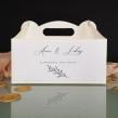 Minimalistyczne białe pudełko na ciasto weselne z personalizacją