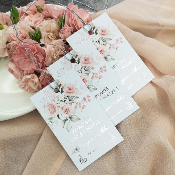 Ślubne zawieszki na alkohol w kwiatowe wzory ze srebrzeniem