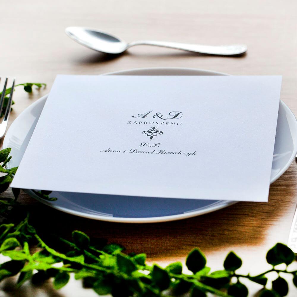 Druk nazwisk gości na kopercie ozdobnej