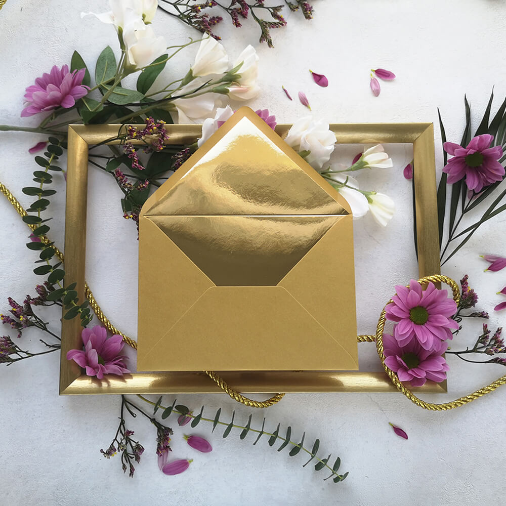 złota koperta z lustrzaną wkładką z kolekcji Złote Retro
