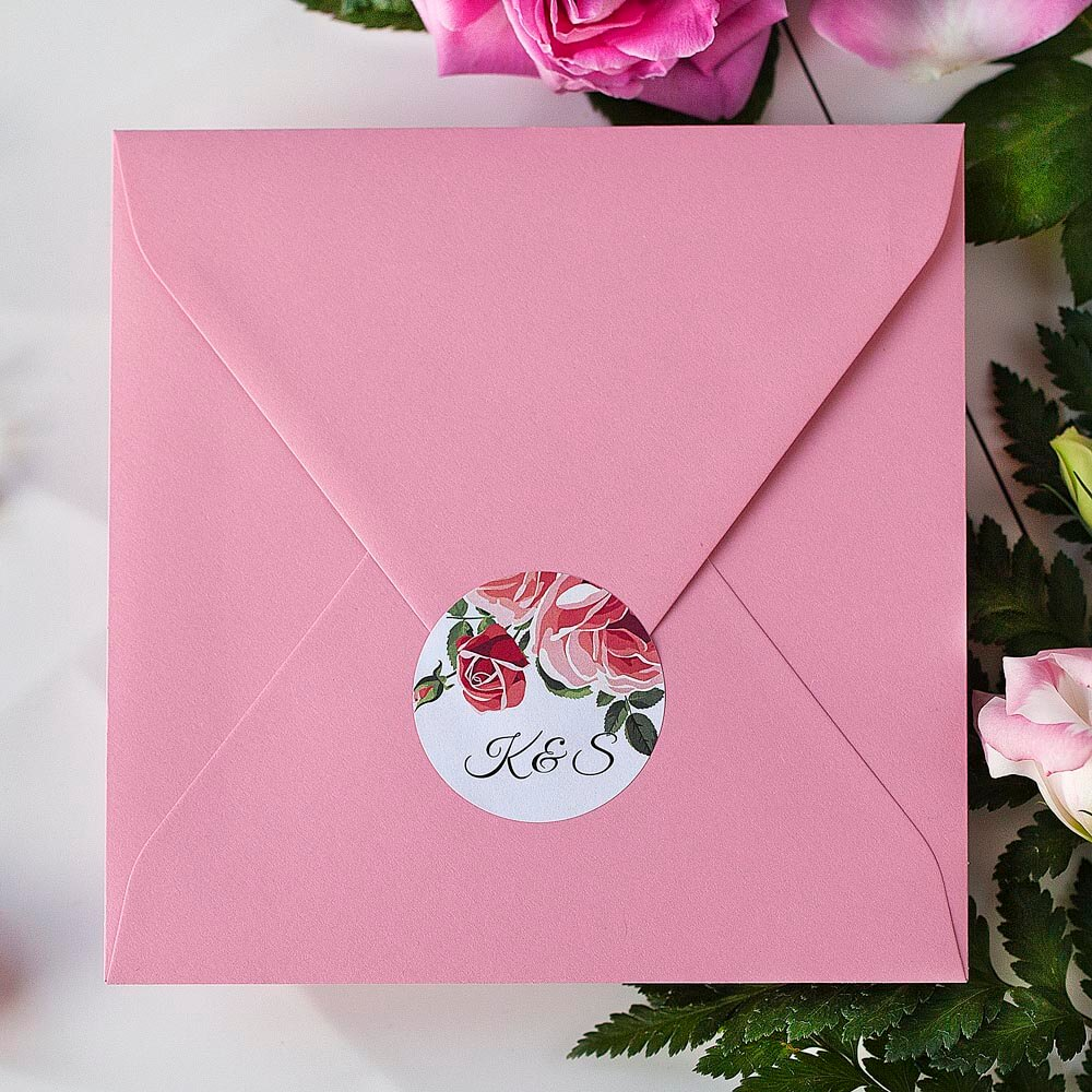 piękne naklejki na kopertę ślubną, kwiaty