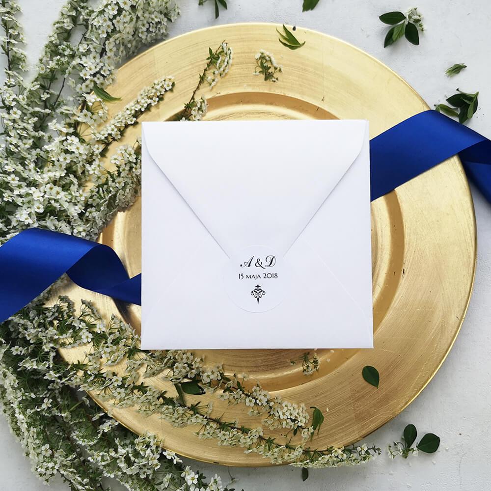 minimalistyczna naklejka na kopertę ślubną