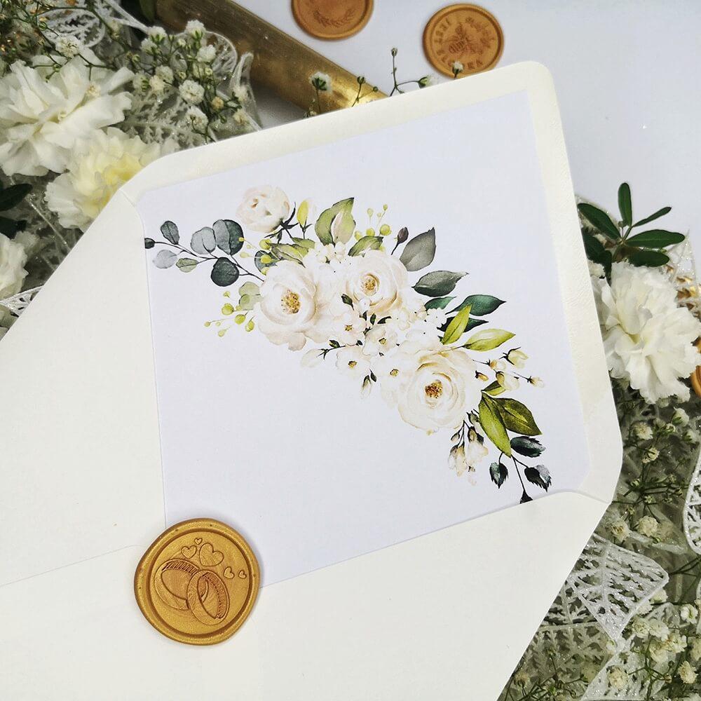 Koperta z wydrukowanymi białymi różami