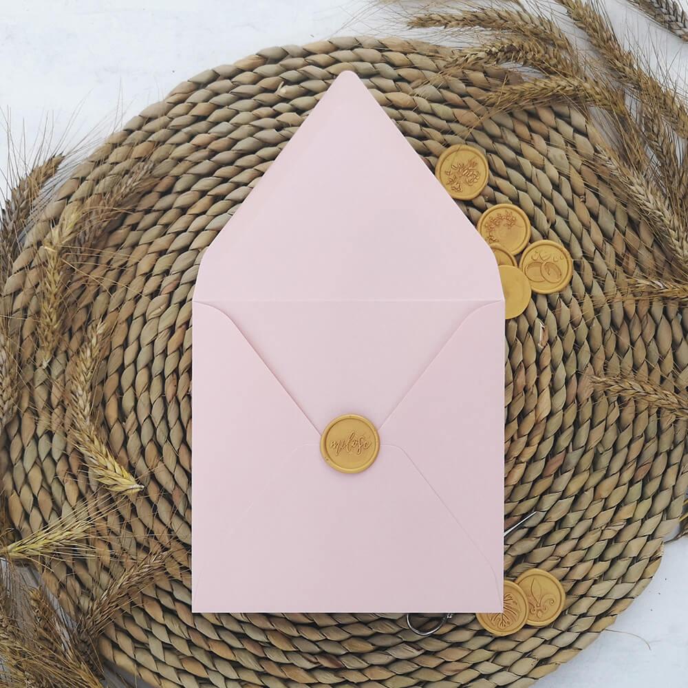 piękna koperta bladoróżowa do zaproszeń