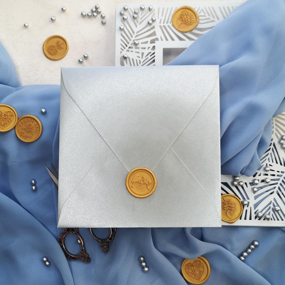 Lak złoty i srebrna koperta metalizowana