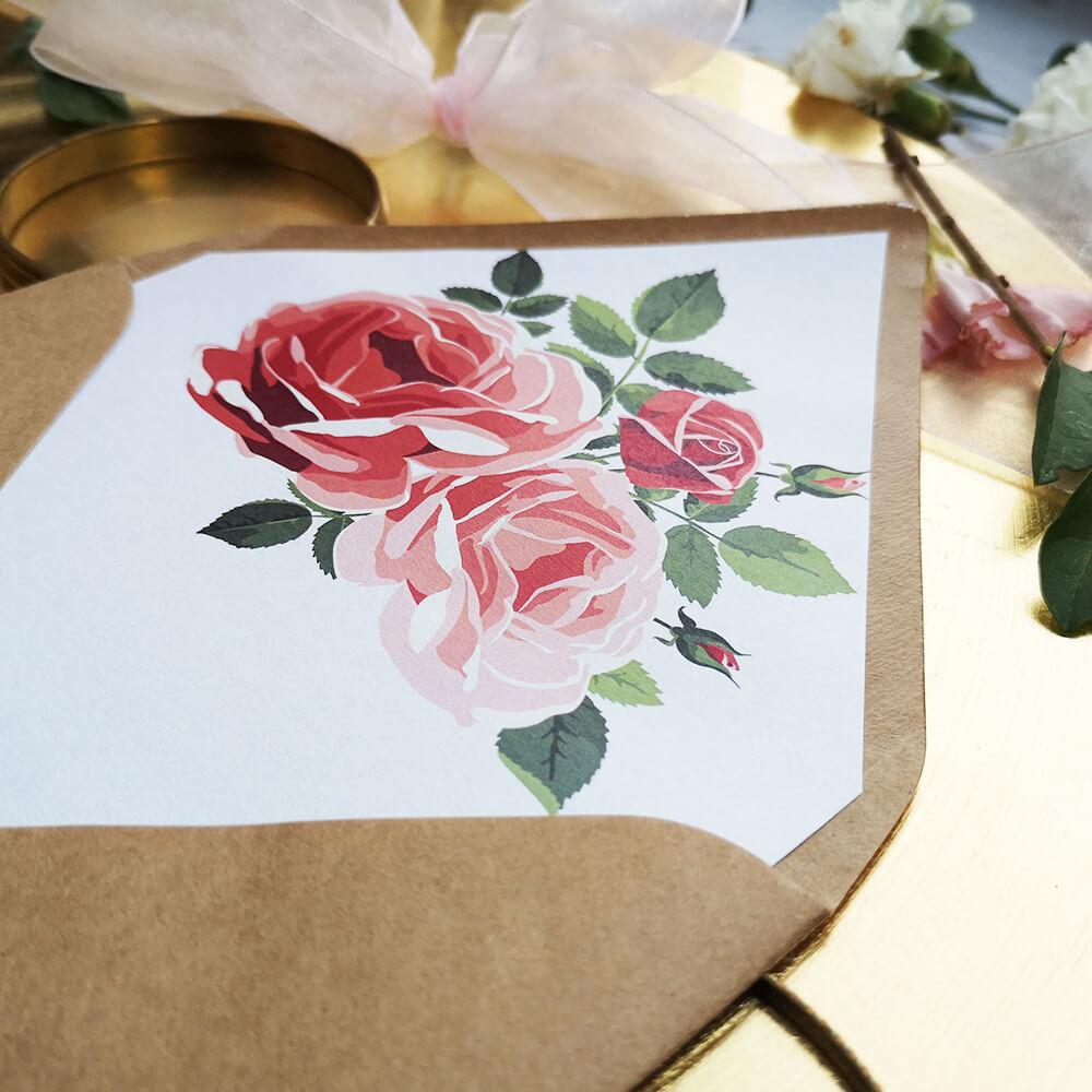 koperta ozdobiona kolorowa kwiecistą wklejką