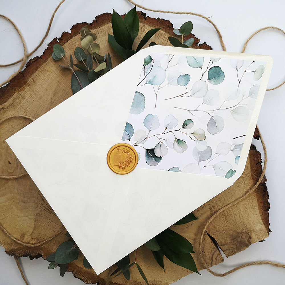 Koperta ecru do zaproszeń z motywem eukaliptusa